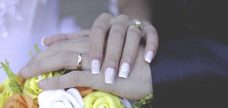 Acheter une alliance de mariage en ligne