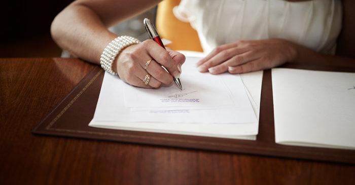 Mariage et naissance : des tonnes de papiers administratifs ?